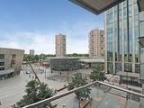 Thumbnail image 4 of Surrey Quays Road
