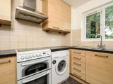Thumbnail image 4 of Crowthorne Close