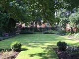Thumbnail image 12 of King William IV Gardens