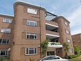 Thumbnail image 13 of Roehampton Lane