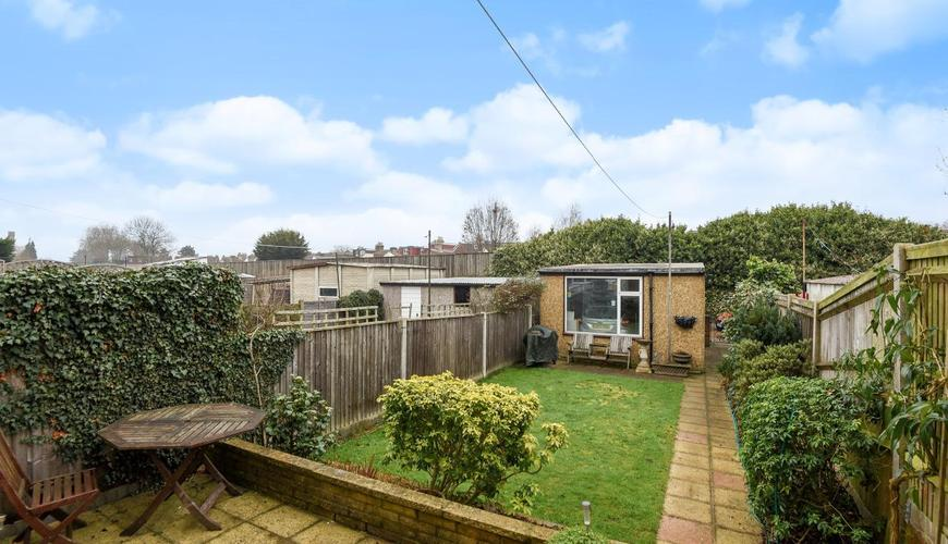 3 Bedroom House For Sale In Queen Anne Avenue Bromley BR2