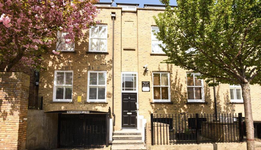 Photo of Barnsbury Street