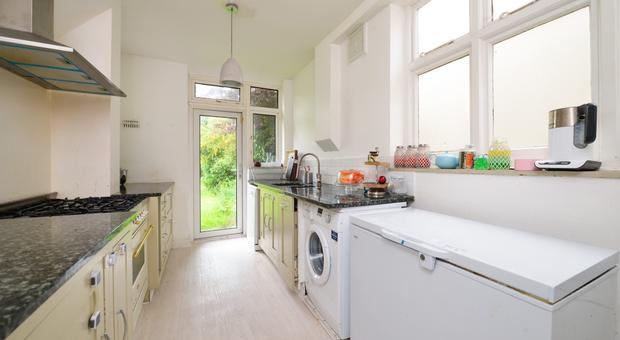 3 bedroom House to rent in Upwood Road Lee SE12 Let p134903
