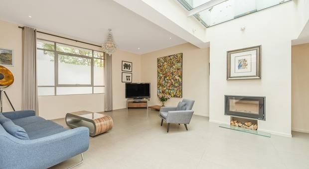 Norland Rd, London W11, UK - Source: Kinleigh Folkard & Hayward (K.F.H)