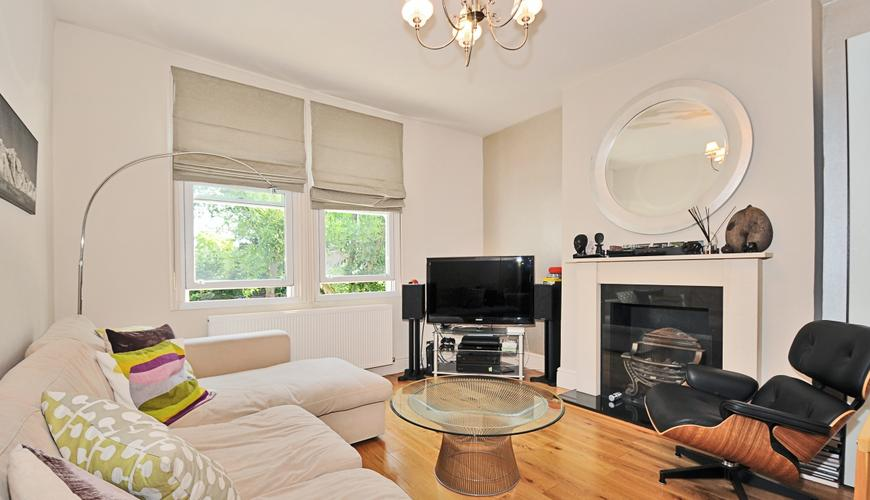 4 bedroom Flat to rent in Dents Road, London SW11 (To let ...