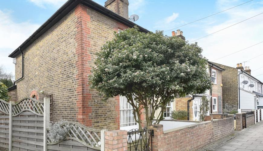 2 Bedroom House For Sale In Palace Road Bromley Br1 Sold Kfh