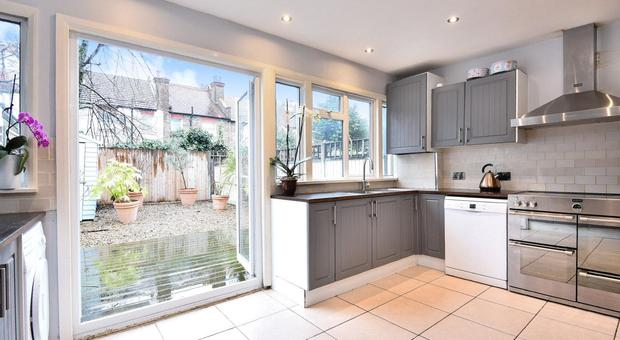 Eastbourne Road Tooting Sw17 4 Bedroom House For Sale