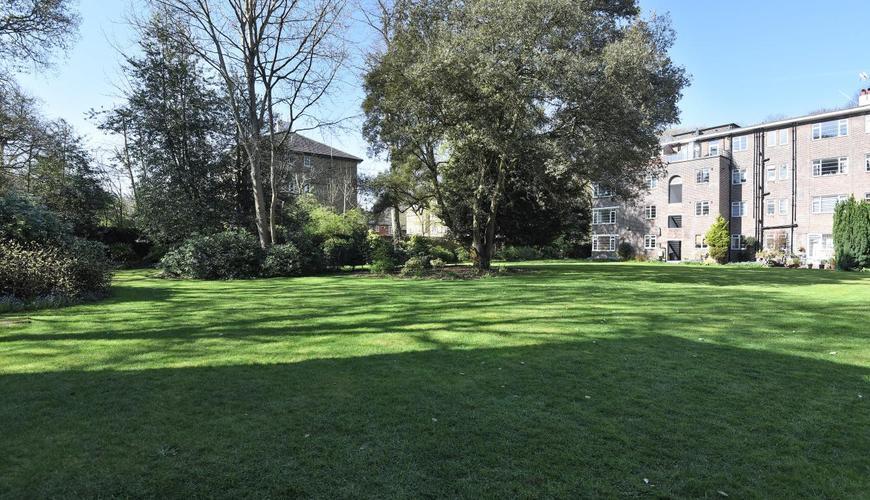 Photo of Wimbledon Park Side