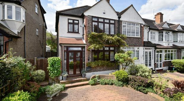 Durham Road Bromley Br2 3 Bedroom House For Sale
