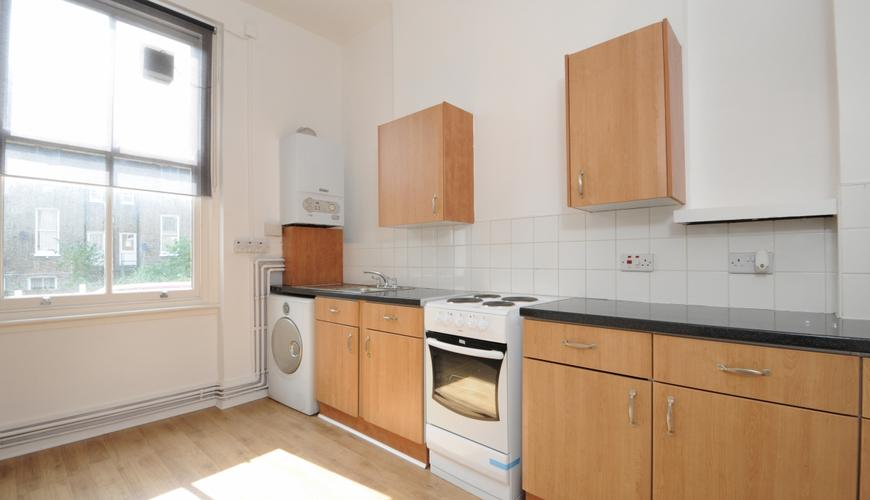 4 bedroom Flat to rent in Southerton Road, Hammersmith W6 ...