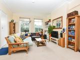 Thumbnail image 3 of Muswell Hill Road