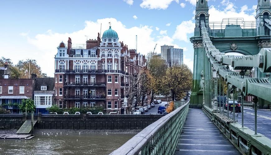Photo of Hammersmith Bridge Road