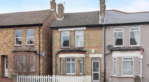 Strange 3 Bedroom House For Sale In Homesdale Road Bromley Br2 Sold Interior Design Ideas Gentotthenellocom