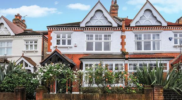 Howards Ln, London SW15, UK - Source: Kinleigh Folkard & Hayward (K.F.H)