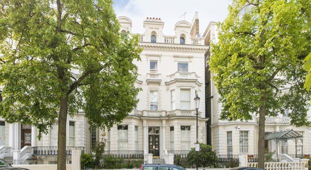 London W11, UK - Source: Kinleigh Folkard & Hayward (K.F.H)