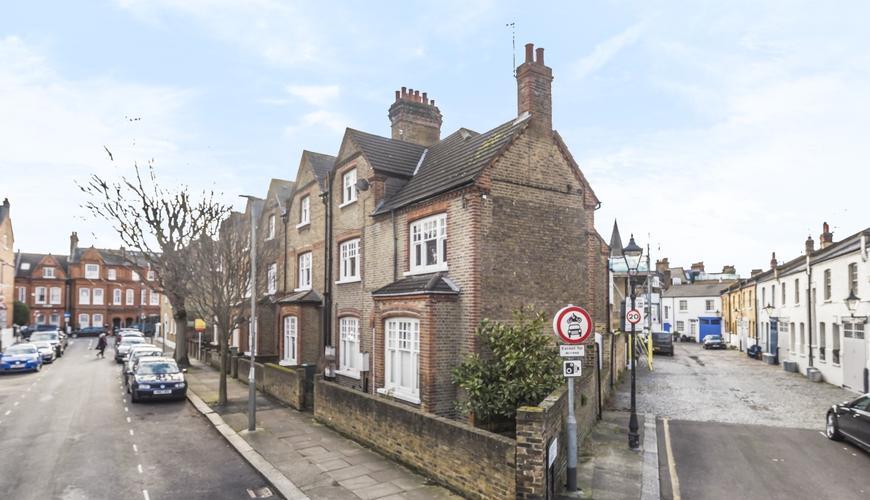 Photo of Foxmore Street