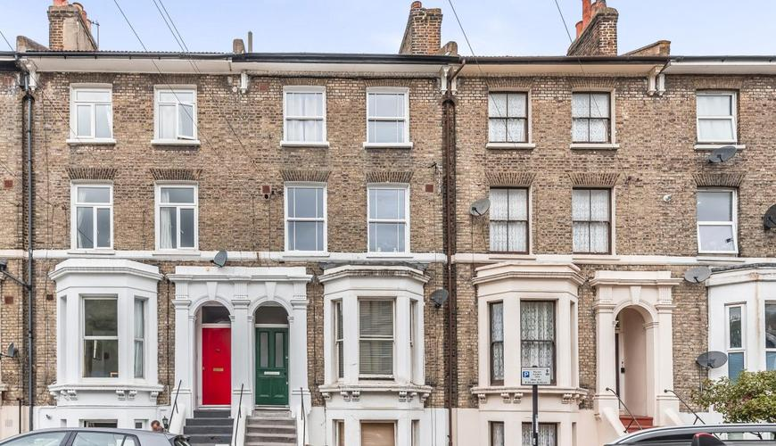 4 bedroom Flat for sale in Flaxman Road, Camberwell SE5 ...