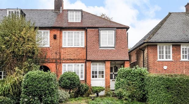 The Chine, Muswell Hill, London N10, UK - Source: Kinleigh Folkard & Hayward (K.F.H)