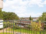 Thumbnail image 3 of Weydown Close